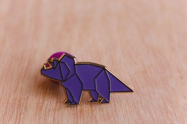 Triceraptos, brilla en la oscuridad